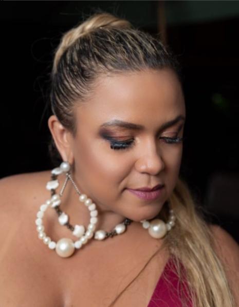 Elaine Souza